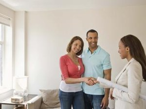 What Are the Characteristics of a Real Estate Agent?