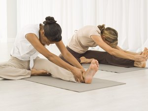 Symmetrical vs. Asymmetrical Yoga Poses