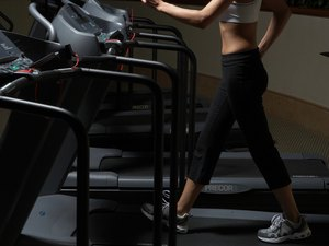 Does Walking on a Treadmill Put Stress on the Hip Flexor Muscles?