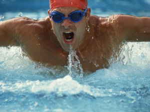 The Difference in Heart Rate Target Zones Between Water Workouts Vs. Gym Workouts