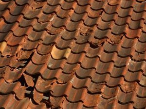 How to Claim a New Roof on Your Homeowner's Insurance