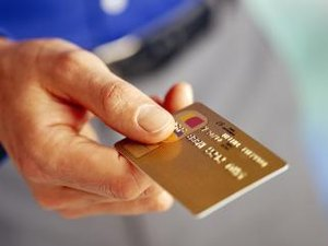 Can College Students Establish Credit on a Parent's Credit Card?