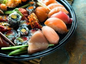 How to Choose Healthy Sushi to Eat