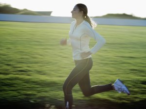 What Effects Does Running a Short Distance Have on Weight Loss & Muscle Building?