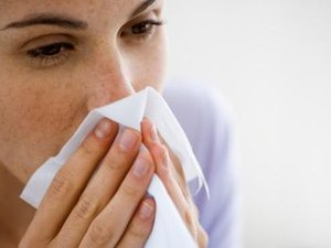 How to Talk to Your Boss About Allergies in the Workplace