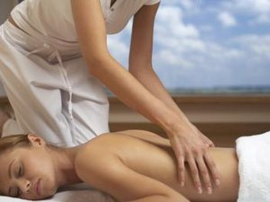 How to Soothe a Hurt Lower Back