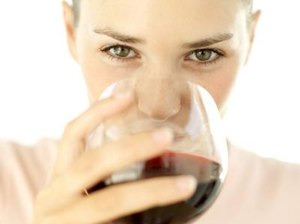 What Are the Benefits of Red Wine Consumption?