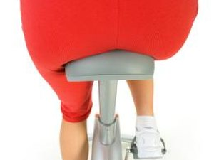 How to Increase the Glutes of the Apple-Shaped Woman With Exercise