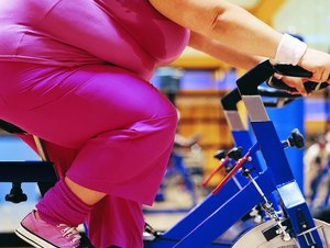 What Are Some Exercise Routines at the Gym to Lose Belly, Leg & Arm Fat?