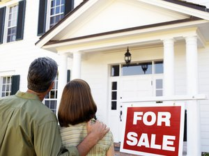 What Happens Between Home Loan Underwriting & Closing?