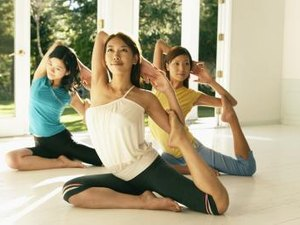 What Kinds of Yoga Classes Are There?
