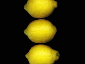 Nutritious Benefits of Eating Lemons and Lemon Juice