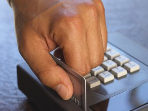 How to Block Fraudulent Credit Card Applications