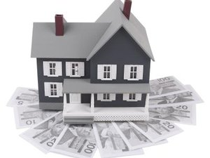Can I Buy a Short Sale With Just Title Insurance?