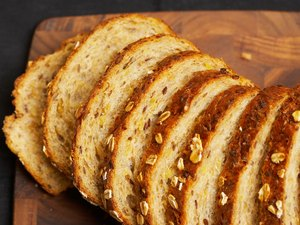 Are Whole Grain Breads & Multi Grain Bread the Same?