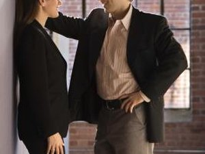 What Does Fraternizing in the Workplace Mean?