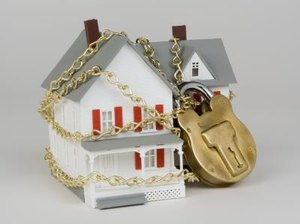 I Am Renting a House in Foreclosure. Can I Rent or Buy it From the Bank?