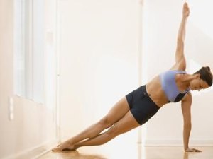 How Should Women Do Side Planks?
