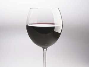 What Are the Benefits of Red Wine & How Much to Drink Each Day?