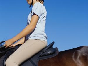 Exercises to Strengthen Your Legs While Riding a Horse