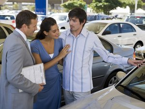 Do You Tell a Car Dealership How Much You Want to Pay a Month?