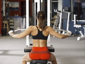 Should a Lat Pulldown Be Done Behind the Head?