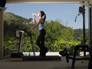 How to Drink Water on a Treadmill