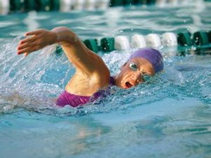 How to Swim With Your Quadriceps