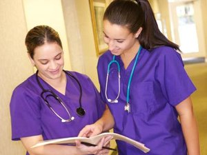 Salaries of a Nurse & Medical School Requirements