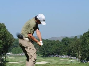 Golf Tips for a Right Elbow Downswing