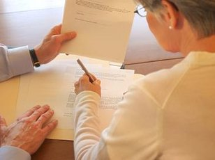 Sign a contract with your new attorney before ending your relationship with your current attorney.