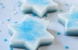 [Article Image] - Coconut Blueberry Gelatin Stars