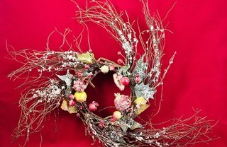 [Article Image] - How to Display Wreaths at a Craft Show