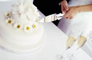 [Article Image] - Why Eat Wedding Cake One Year Later?