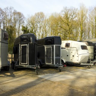 How to Calculate the Value of a Used Horse Trailer