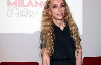 Vogue Italia's editor-in-chief Franca Sozzani receives a salary while influencing the fashion industry.
