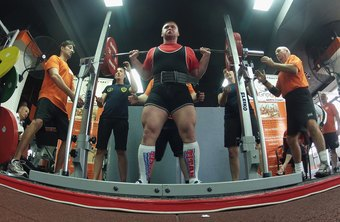 Powerlifting training can lead to muscle growth.