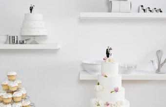 A specialty cake shop appeals to both brides and the catering industry.