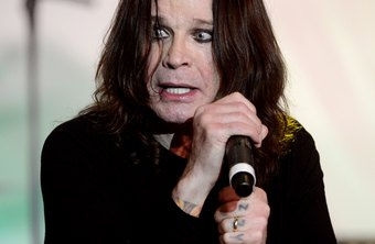 Ozzy's eyeliner illustrates the right effect for darkened eyelids.