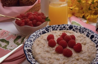 Oatmeal can help fill you up until lunch.