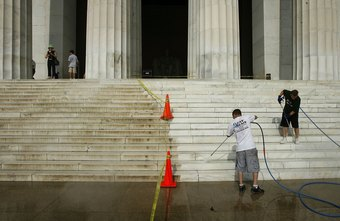 High-pressure washing commercial premises can be a lucrative business opportunity.