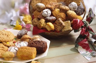 Baskets filled with baked goods make a delicious gift.