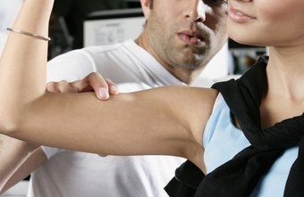 Curls target the muscles in the upper arm.