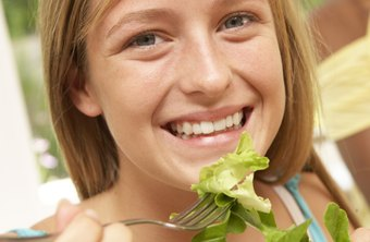 Teen girls should eat plenty of produce for lunch.