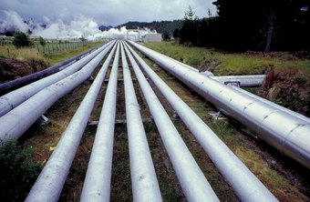 Pipeline engineers design, construct and maintain pipelines of all types.
