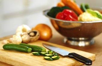 Cut fruits and vegetables only just before cooking in order to preserve nutrients.