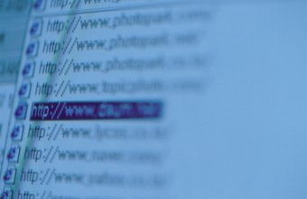 All hyperlinks in Facebook chat take the form of URLs.