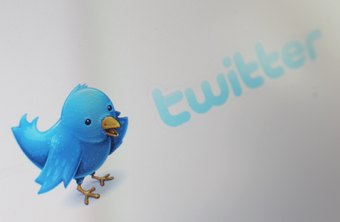 Twitter's quick messages link followers to external content.
