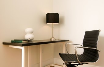 Arrange your furniture to suit a variety of office sizes.