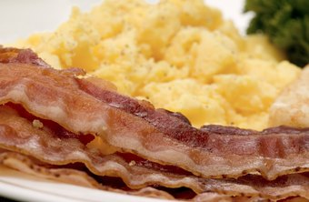 Eggs and bacon is one example of a very low carb, Atkins-friendly breakfast.